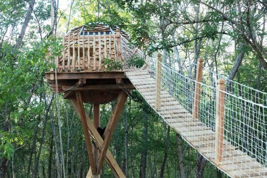 cabane lov nid acces pont suspendu