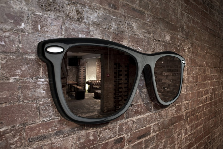 Looking good le miroir en forme de lunettes de soleil - Miroir en forme de lunette ...