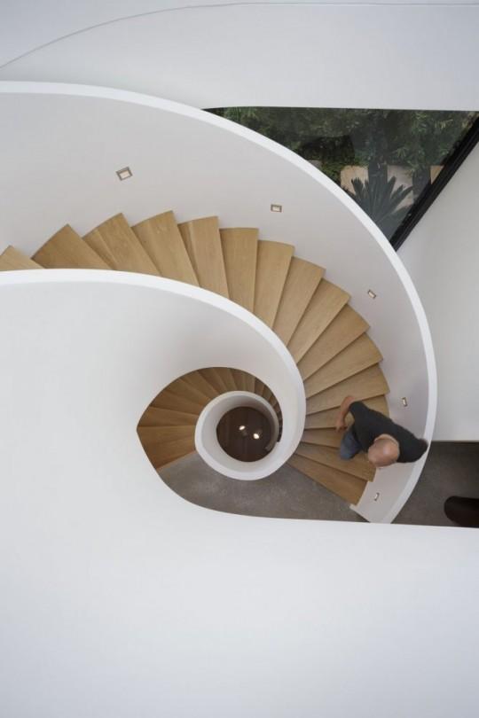 maison Spiderman - escalier en colimaçon bis