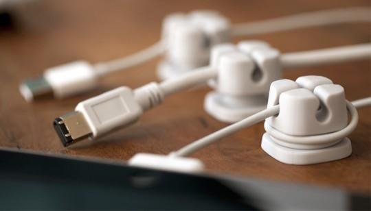 Ancres à câbles USB, iphone et autres - Fini l'emmêlage des câbles sur votre bureau