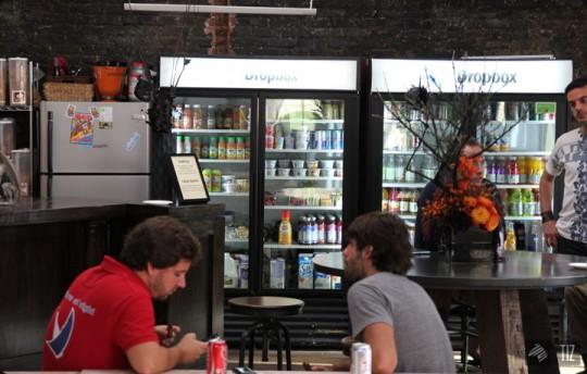 Dropbox office - Cafétéria avec boissons à volonté