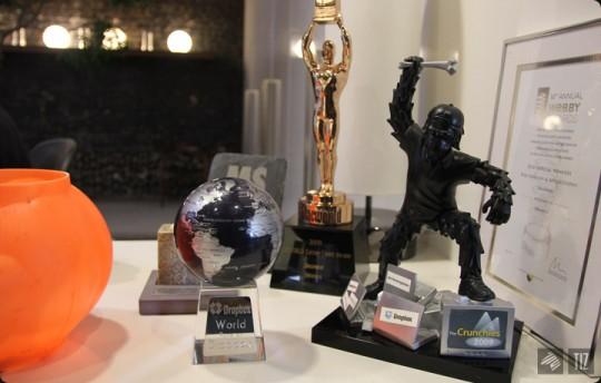 Dropbox office - trophées