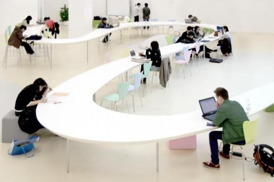 Table de 150 mètre de longueur