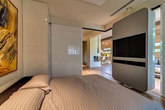 Appartement cosy Tel Aviv - Meuble TV qui fait séparateur d'espace