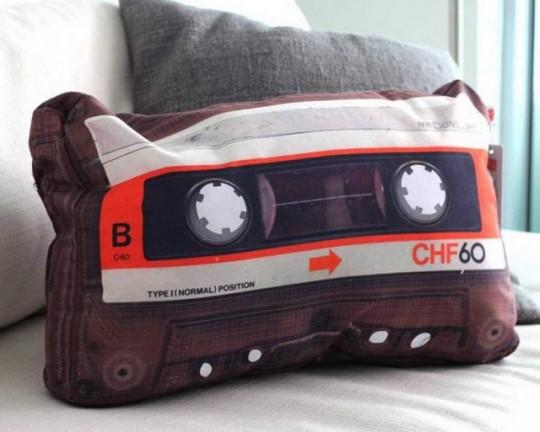 Coussin cassette audio rétro