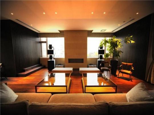 L'appartement avec 1 chambre le plus cher du monde - salon avec canapé