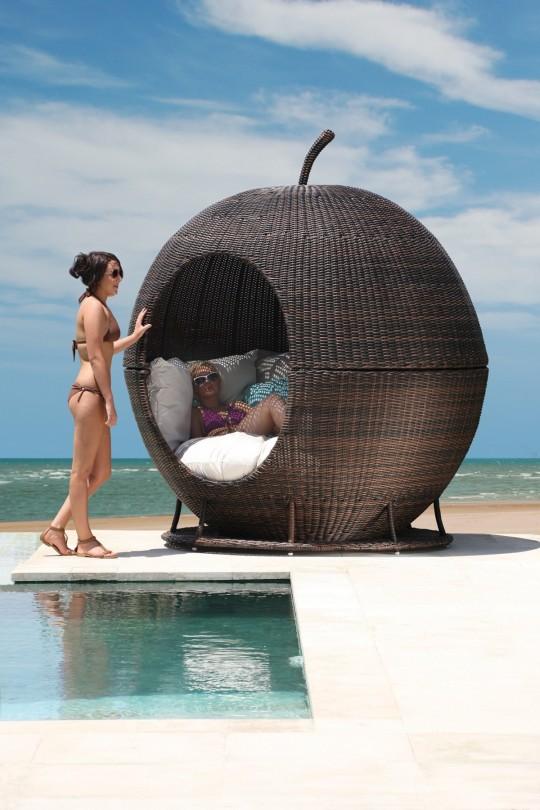 Igloo apple un cocon d 39 ext rieur en forme de grosse pomme - Fauteuil en forme de s ...