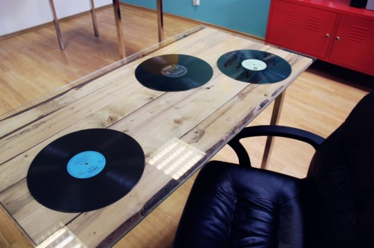 Bureaux Webshake - bureau avec des disques vinyls