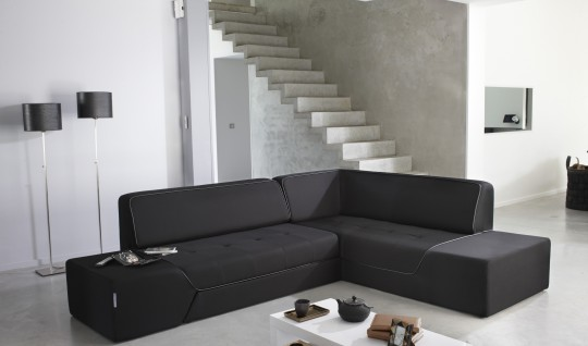 Canapé d'angle convertible Midnight by Ora Ito dans un intérieur moderne