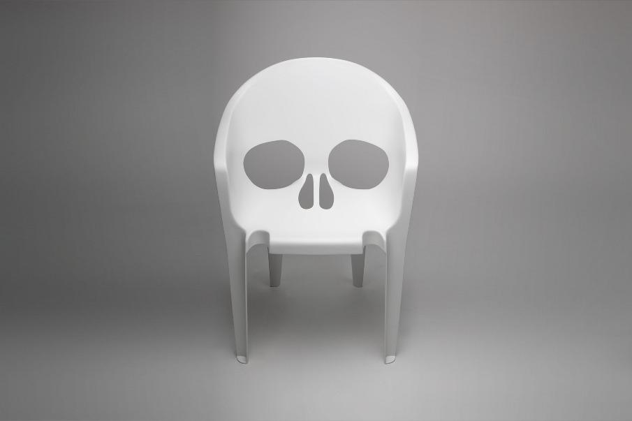 Déco Halloween : Fauteuil tête de mort Souviens-toi que tu vas mourir