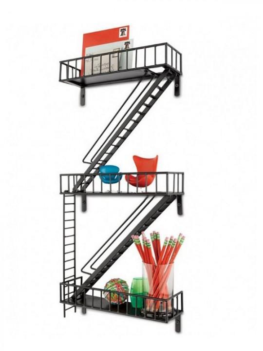 Etagère escalier de secours