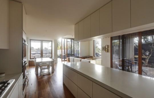 Maison contemporaine à Brighton en Australie - cuisine américaine design
