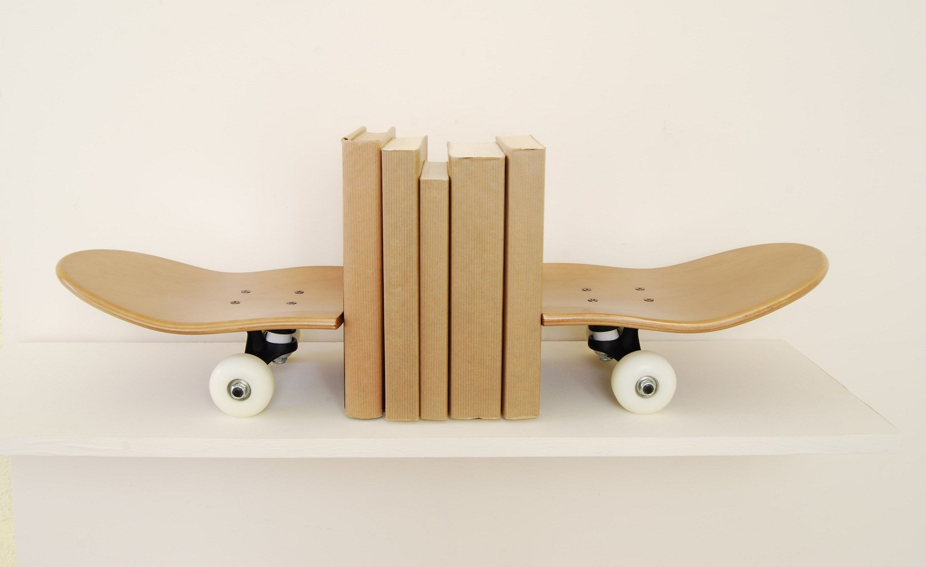 serre livres planche de skateboard par skate home. Black Bedroom Furniture Sets. Home Design Ideas