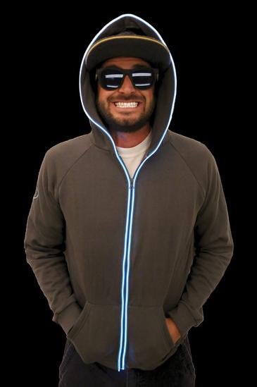 Sweatshirt homme noir avec néon bleu