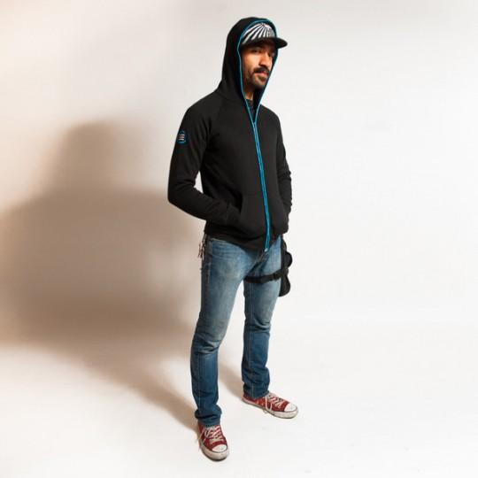 Sweatshirt homme noir avec néon fluo bleu