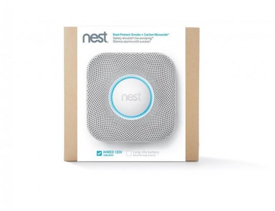 Détecteur de fumée Nest dans sa boite