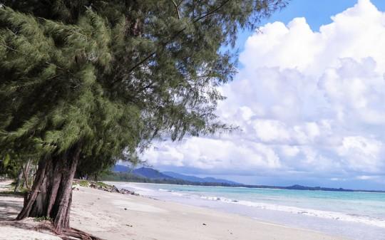 Hotel Sentido Graceland à Khao Lak en Thaïlande - plage de sable fin