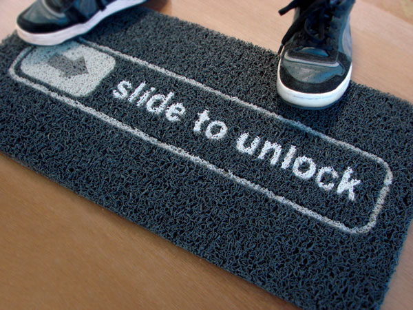 Paillasson Slide to Unlock (Un vrai paillasson de geek !)
