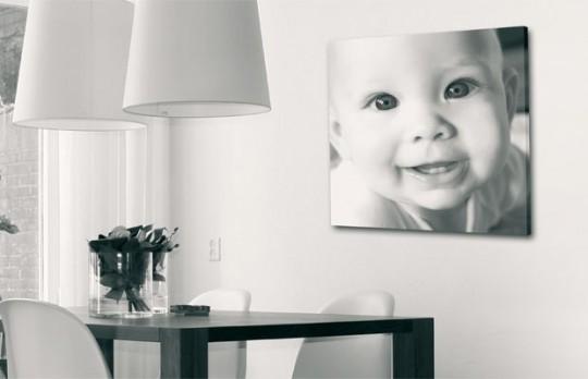 Toile photo noir et blanc d'un joli bébé
