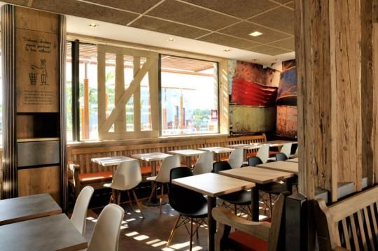 Déco restaurant MacDonald's Wood & Stone