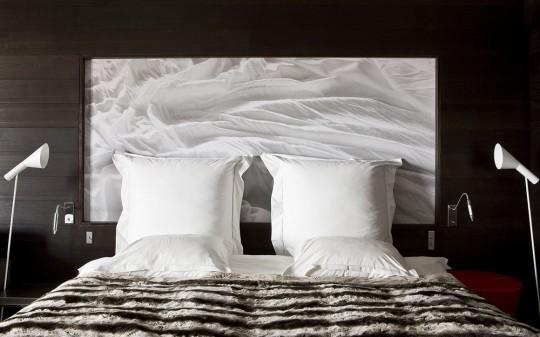 Hotel Avenue Lodge Val d'Isere - chambre avec lit contemporain