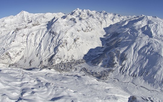 Hotel Avenue Lodge Val d'Isere vue panoramique de la montagne