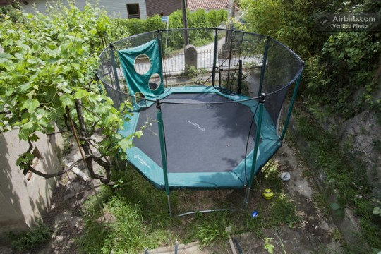 Maison du 19ème siècle - trampoline