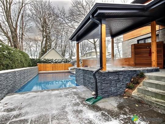 Piscine et SPA dans une maison à vendre à Sillery au Québec