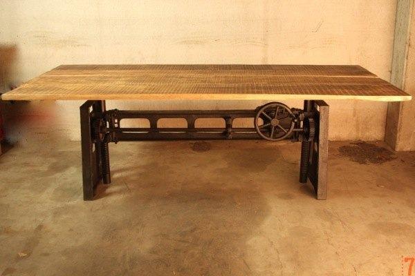 Une table industrielle façon poids lourd de 280 kg par Barak7