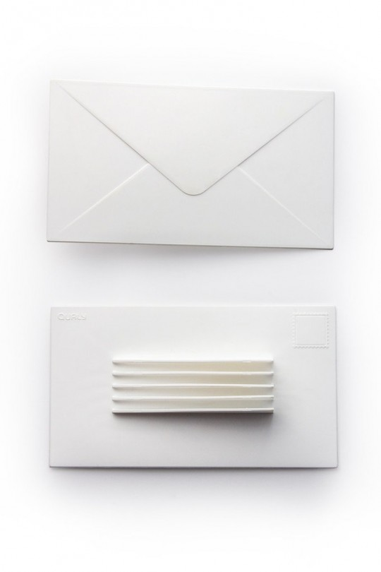 Enveloppe blanche bloque-porte