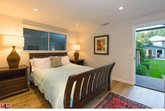 Propriété de Leonardo DiCaprio à Malibu - chambre avec vue sur le jardin