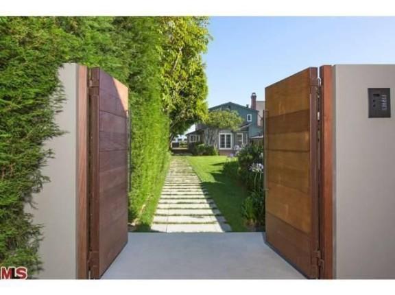 propri t de leonardo dicaprio malibu portail d 39 entr e. Black Bedroom Furniture Sets. Home Design Ideas