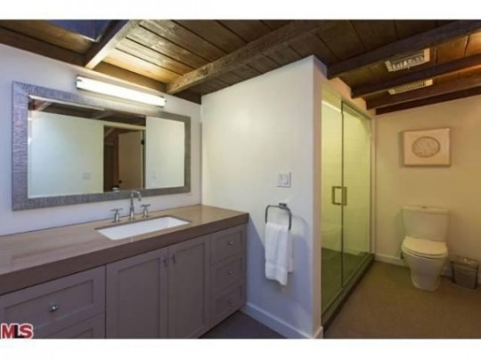 Propriété de Leonardo DiCaprio à Malibu - salle de douche