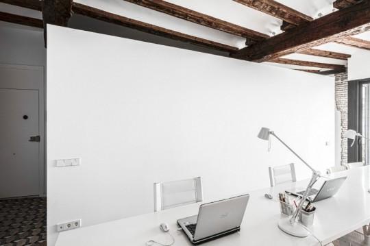 Appartement rénové El Carmen à Valence en Espagne - bureau moderne