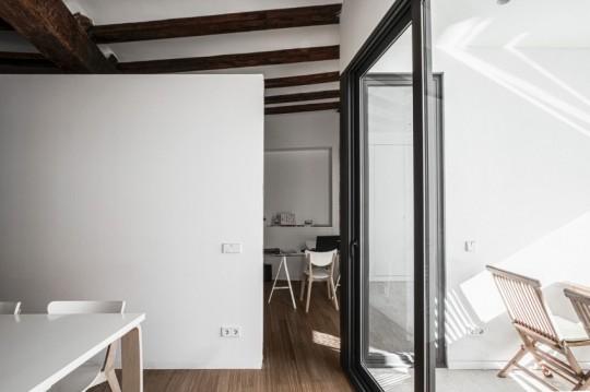 Appartement rénové El Carmen à Valence en Espagne - séparation sans porte