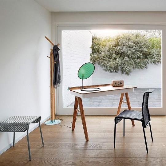 bureau sans fils bureau avec case range fils par christian mohaded. Black Bedroom Furniture Sets. Home Design Ideas