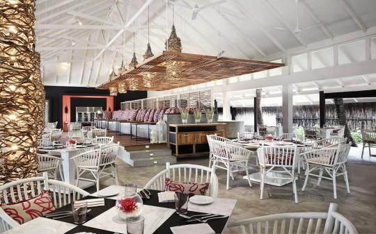 Hotel Vivanta by Taj Coral Reef aux Maldives - restaurant de l'hotel
