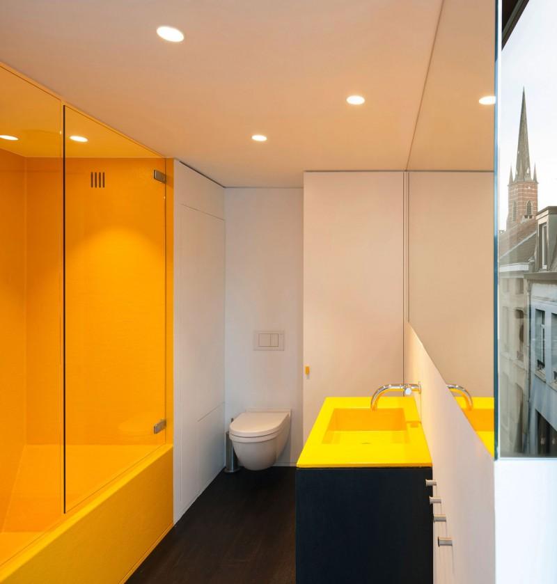 Maison de ville lks salle de bain jaune for Salle de bain jaune