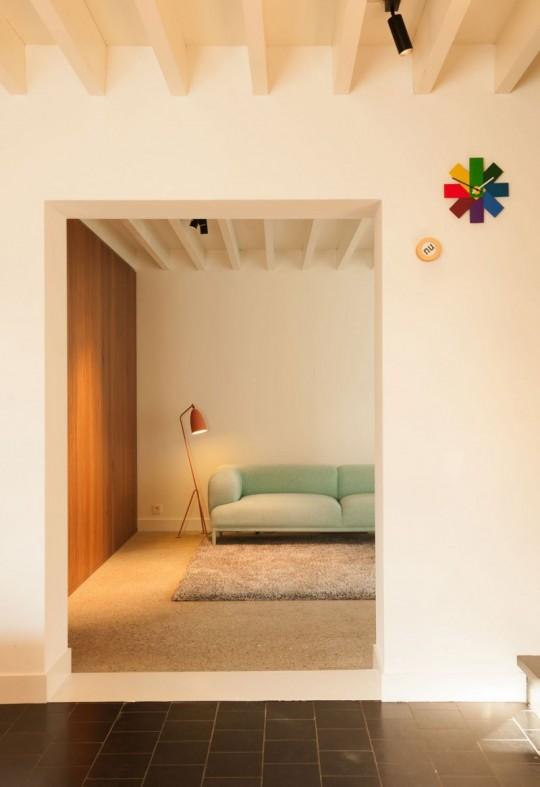 Maison de ville contemporaine - Canapé vintage