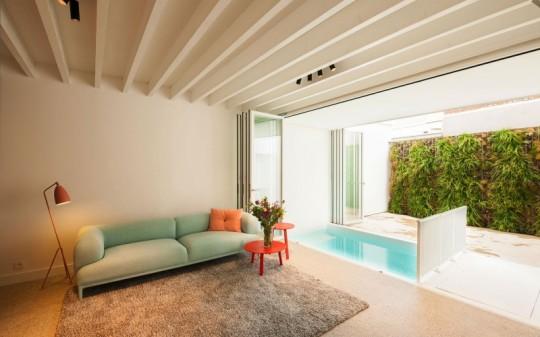 Maison de ville contemporaine - piscine intérieure