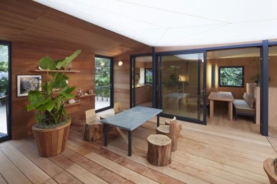 La Maison au bord de l'eau by Charlotte Perriand & Louis Vuitton patio zen
