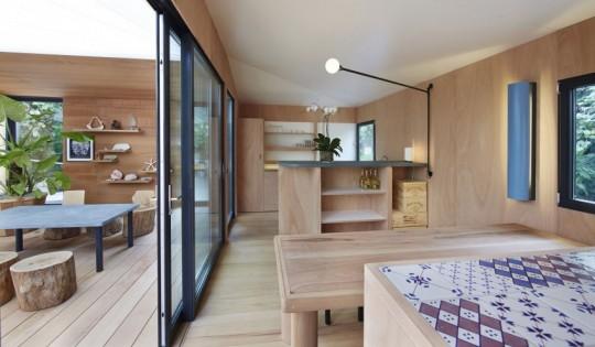 La Maison au bord de l'eau by Charlotte Perriand & Louis Vuitton salle à manger