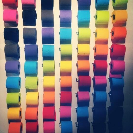 Papier toilette en couleurs Renova