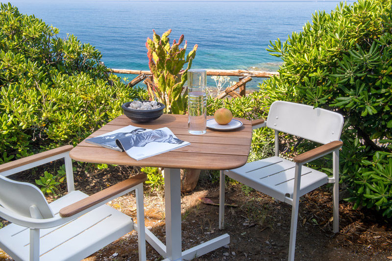 mobilier outdoor salon de jardin en teck et alu verni shine by emu. Black Bedroom Furniture Sets. Home Design Ideas