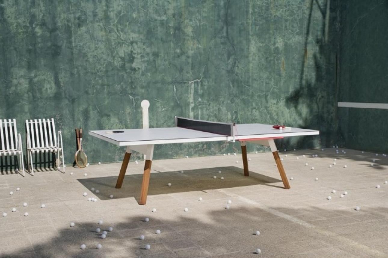 Table de ping pong design dans un int rieur for Table de ping pong interieur