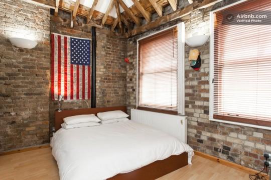 Appartement esprit loft - chambre avec drapeau des Etats-Unis