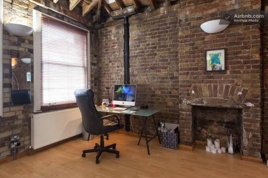 Appartement esprit loft - coin bureau