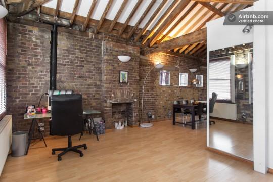 Appartement esprit loft - coin bureau avec cheminée