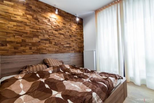 Appartement déco scandinave - mur avec parements en bois