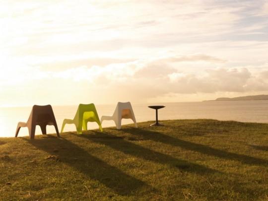Chaises de jardin en résine de couleur IKEA PS Vago
